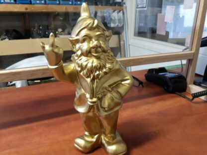 Kabouter met middelvinger goud